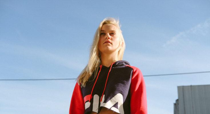 Carlie Hanson by Naohmi Monroe